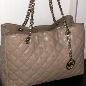 authentic light brown Michael Kors purse for Sale in Bakersfield, CA