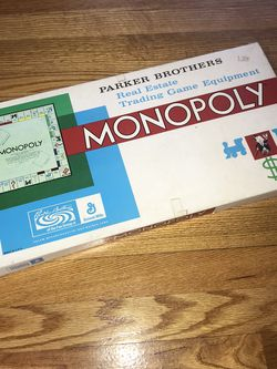 Monopoly Board Game. Vintage 1985, preowned but in great condition! All Properties Complete Pictures are accurate for Sale in French Creek,  WV