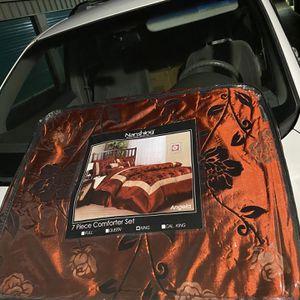 7 piece Comforter Set for Sale in Pico Rivera, CA
