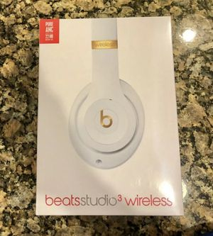 Beats Studio3 Wireless Headphones White for Sale in Tulare, CA