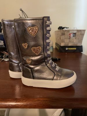 Baby girl Michael Kors boots size 5c for Sale in Chicopee, MA