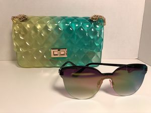 *New Green & Yellow Jelly Handbag/ Free pair of fashion sunglasses * for Sale in St. Louis, MO