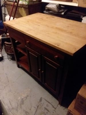 Cochrane butchers block. Very nice and well kept piece. Perfect for a large kitchen island. Fine piece north Carolina. Cost new was 3200.00 for Sale in Winchester, KY
