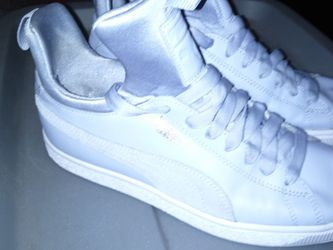 Like New Pumas (Size 8) for Sale in Norman,  OK