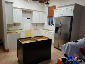 Kitchen Cabinets. for Sale in Miami, FL