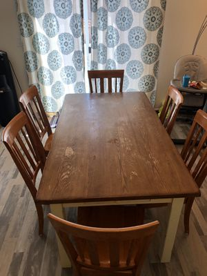 Table for Sale in Lochbuie, CO