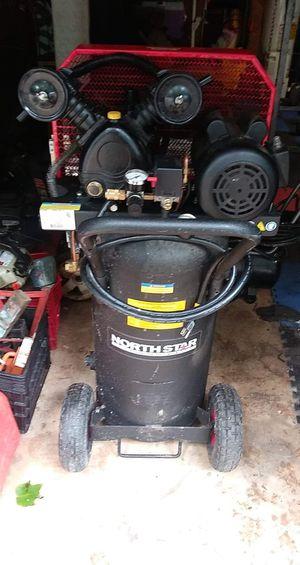 Northstar 20 gal 135 psi air compressor for Sale in Marietta, GA