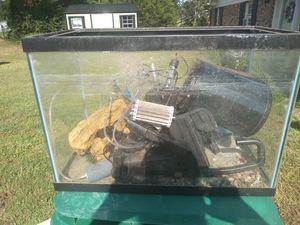 Fish tank $30 for Sale in Gastonia, NC