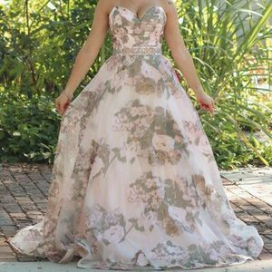 Gianni Bini Formal Juniors Dress for Sale in Winter Haven, FL
