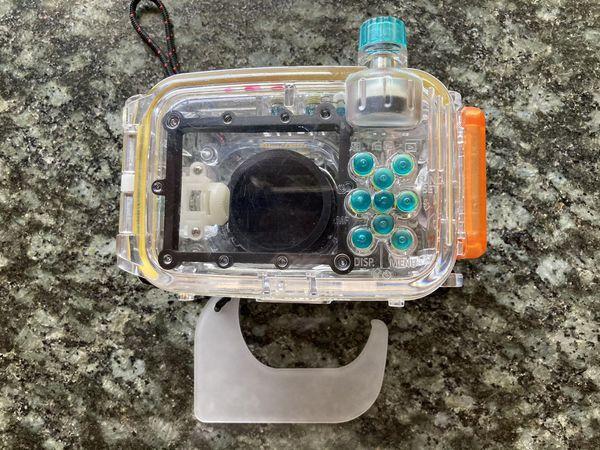 Canon PowerShot S90 & Water Diving Case 140'