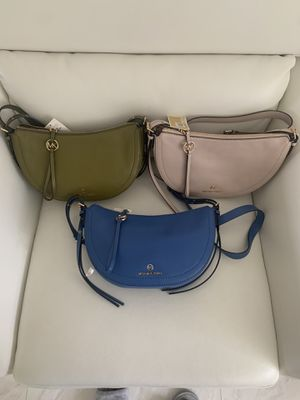 Michael Kors Camden Sm Messenger Leather Bag In 3 Colors for Sale in North Miami, FL
