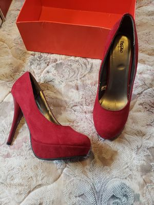 Heels like new size 7.5 for Sale in Milford, OH