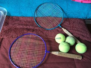 2 Tennis Rackets & 4 Tennis Balls for Sale in Hyattsville, MD