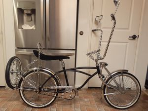 LOWRIDER BIKE (20 INCH) for Sale in Los Angeles, CA