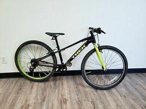 Trek Wahoo Mountain Bike Black/volt 54cm 9/B21622A for Sale in Fort Lauderdale, FL