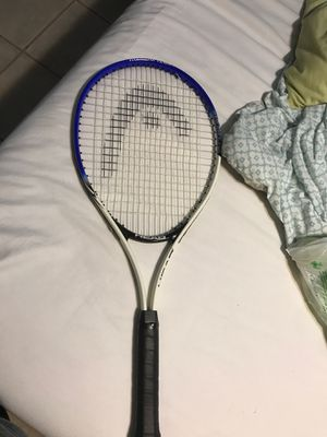 Head racket with 5 tennis balls for Sale in Miami, FL