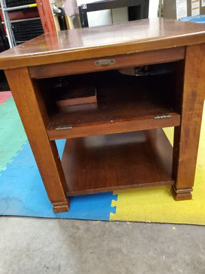 Set of Broyhill end tables for Sale in Spring Hill, FL