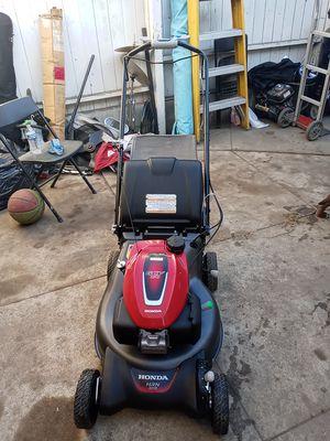 Honda lawn mower for Sale in Gardena, CA