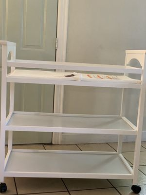 Cradle & changing table for Sale in Austin, TX