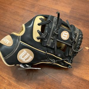 Wilson A2000 Infield Glove for Sale in Tucson, AZ