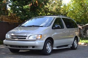 2001 Toyota Sienna for Sale in Tacoma, WA