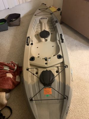 Lifetime Tamarack 120 Angler Kayak for Sale in Long Beach, CA
