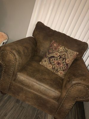 Single couch for Sale in Mesa, AZ