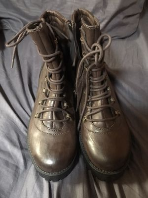 Brand new woman's size 9m boots for Sale in Leesville, SC