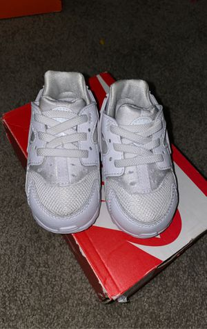 Baby Nikes size 5 for Sale in Rancho Cucamonga, CA