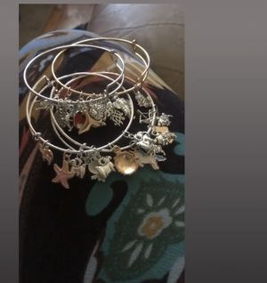 Charm bracelets for Sale in Cleveland, OH
