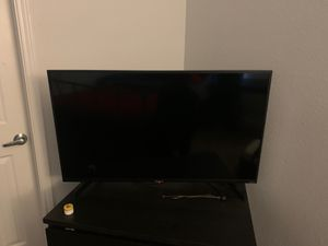 40 inch Hisense Roku Tv for Sale in Arlington, TX