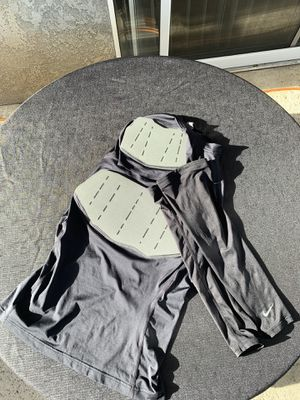 NIKE Men's football undershirt protective gear sleeves size extra large for Sale in Moreno Valley, CA