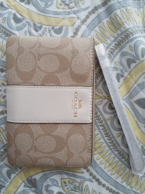 Coach wristlet for Sale in Gilroy, CA