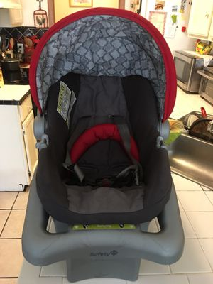 Baby Car seat,used but in good conditions for Sale in Springdale, AR