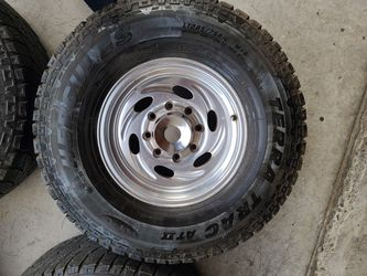 "Wheels And Tires Lt 285/75r16"" 8 Lug Ford Excursion F250 F350 Utility Truck 8x170, Mm for Sale in Riverside,  CA"