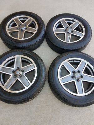 Rims Wheel Jeep Compass Patriot Used OEM 17x6.5 MACHINED CHARCOAL 215/65/17. BOLT PATTERN 5X114.3 TIRES 70% TPS SENSORS for Sale in Elgin, IL