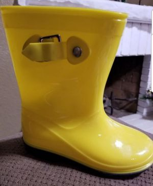 Rain boots size 11 for Sale in Moreno Valley, CA