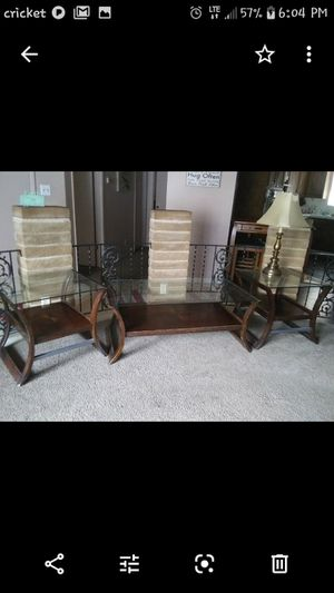 Coffee table and 2 end tables for Sale in Fresno, CA