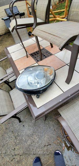 Headlight Mercedes R350 Halogen Right Passenger OEM 2006 - 2012 for Sale in Cliffside Park, NJ
