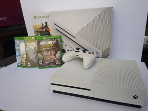 XBOX ONE S BUNDLE 4 GAMES INCLUDED for Sale in Lakewood, CO