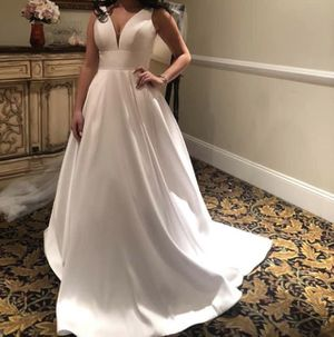 Wedding gown for Sale in Haddon Township, NJ