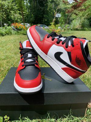 Air jordan 1 mid chicago black toe for Sale in Marietta, GA