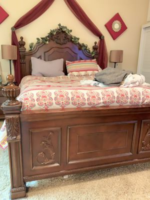 Queen bedroom set!! for Sale in Carlsbad, CA