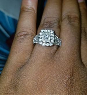 "$4611.44 Ring Helzberg Diamonds 14K 2CTW ""Love Cuts"" Cushell for Sale in Plano, TX"