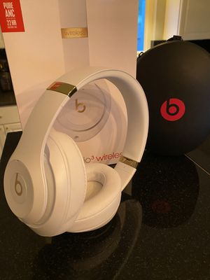 Beat By Dre Studio3 White for Sale in Encinitas, CA
