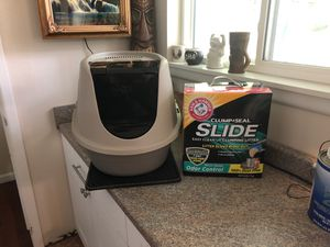 Large litter box and brand new box of litter for Sale in Lakewood, WA