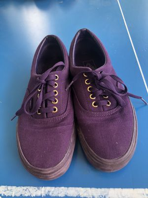 Vans low top Shoes for Sale in Forest Heights, MD