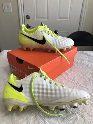 Nike Youth Soccer Cleats Size 1 for Sale in Hesperia d1ff9c53927