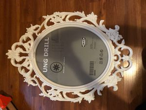 IKEA oval picture frame for Sale in East Los Angeles, CA