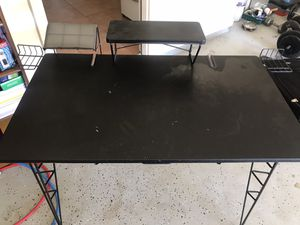 Computer desk for Sale in Fairburn, GA